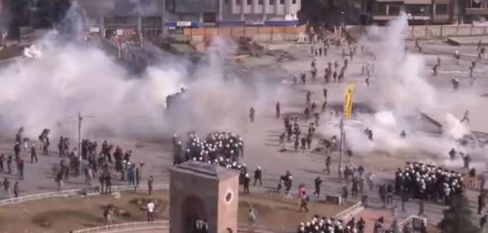 Police storm Taksim Square with heavy use of tear gas and water cannons